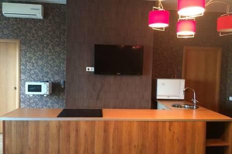 Сдается 2-комнатная квартира посуточно в Казани, Чистопольская, 36.