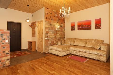 Сдается 2-комнатная квартира посуточнов Феодосии, Черноморская набережная, 1г.