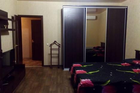 Сдается 1-комнатная квартира посуточнов Екатеринбурге, улица Кузнецова, 21.