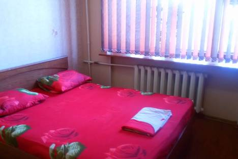 Сдается 1-комнатная квартира посуточно в Ухте, проспект Космонавтов, 5/2.