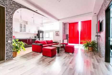 Сдается 3-комнатная квартира посуточно, Bochorma Street, 49/8.