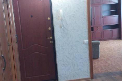 Сдается 3-комнатная квартира посуточно в Нижнем Тагиле, Октябрьский проспект, 15.