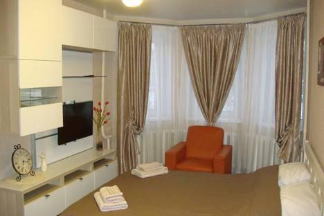Сдается 1-комнатная квартира посуточно во Владимире, ул. Тракторная дом 4.