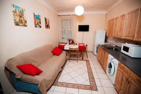 Сдается 2-комнатная квартира посуточнов Санкт-Петербурге, Миллионная улица, 9.