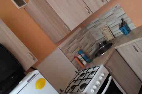 Сдается 2-комнатная квартира посуточнов Чебаркуле, улица Попова, 1.