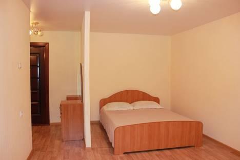 Сдается 1-комнатная квартира посуточно в Усть-Илимске, проспект Дружбы Народов, 36.