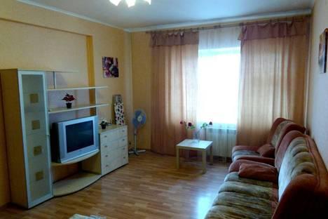 Сдается 2-комнатная квартира посуточно, ул. Железнодорожная, 12.