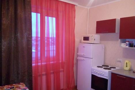 Сдается 2-комнатная квартира посуточно в Курске, проспект Вячеслава Клыкова, 52.