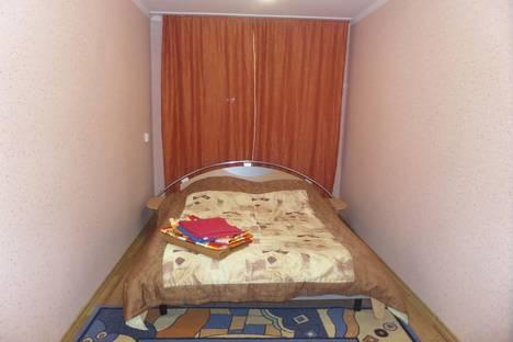 Сдается 2-комнатная квартира посуточнов Кургане, улица Володарского, 29.