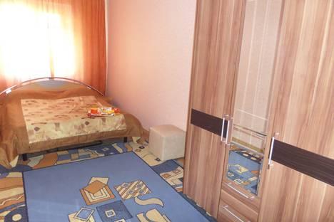 Сдается 2-комнатная квартира посуточно в Кургане, улица Володарского, 29.