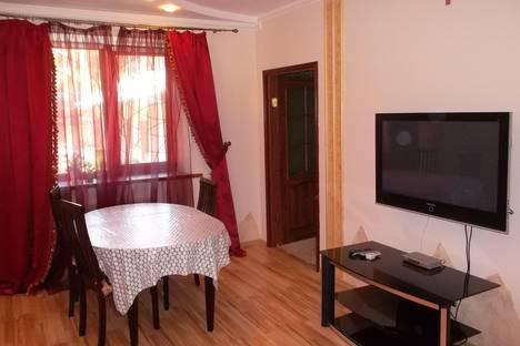 Сдается 3-комнатная квартира посуточнов Новом Свете, улица Голицына, 16.