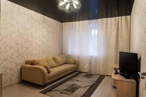Сдается 2-комнатная квартира посуточно, улица Сурикова д.50.