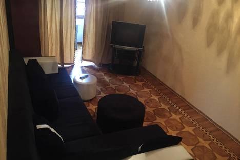Сдается 3-комнатная квартира посуточнов Баку, Дилара Алиева,243.