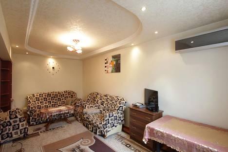 Сдается 2-комнатная квартира посуточно в Ереване, ул. Езника Кохбаци, 2.
