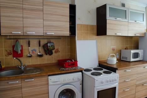 Сдается 2-комнатная квартира посуточнов Караганде, проспект Нуркена Абдирова, 16/2.