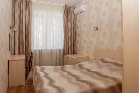 Сдается 2-комнатная квартира посуточно в Омске, Стачечная улица, 6.