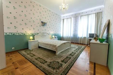 Сдается 2-комнатная квартира посуточнов Санкт-Петербурге, пер. Ульяны Громовой, 6.