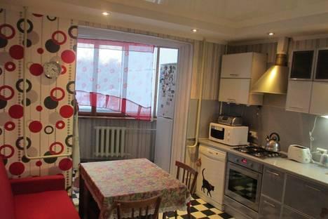 Сдается 2-комнатная квартира посуточнов Нижнекамске, улица Чишмале, 1.