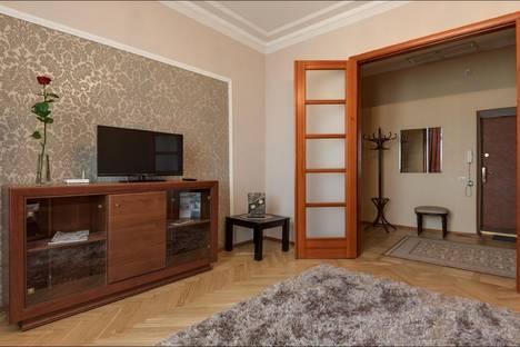 Сдается 2-комнатная квартира посуточно в Минске, проспект Независимости, д. 44.