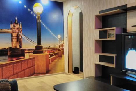 Сдается 3-комнатная квартира посуточно в Кировске, 50 лет Октября, 37.