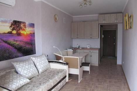 Сдается 1-комнатная квартира посуточно в Алуште, 4 Ревкомовский переулок.