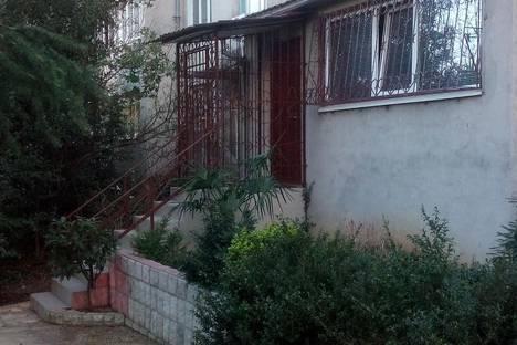 Сдается 2-комнатная квартира посуточно в Партените, улица Победы 16.