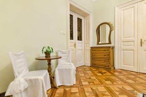 Сдается 3-комнатная квартира посуточно в Львове, улица Гребинки 9.