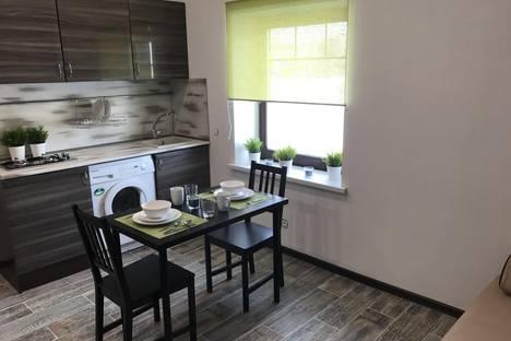 Сдается 1-комнатная квартира посуточно в Одинцове, п. Акулово, СНТ селикционер-2, дом 23.