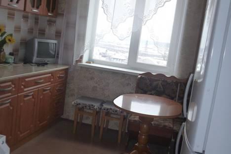 Сдается 1-комнатная квартира посуточно в Нижнем Тагиле, ул. Чайковского дом 108.