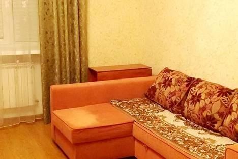 Сдается 2-комнатная квартира посуточно, Китицынская улица,12.
