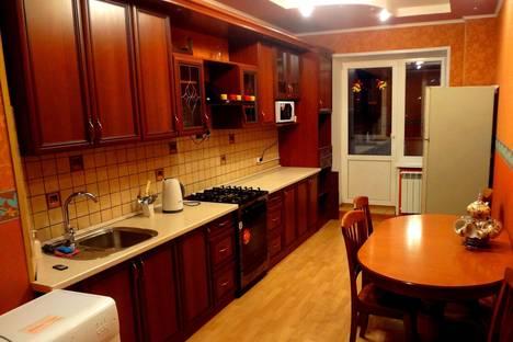 Сдается 3-комнатная квартира посуточно в Костроме, улица Войкова,41.