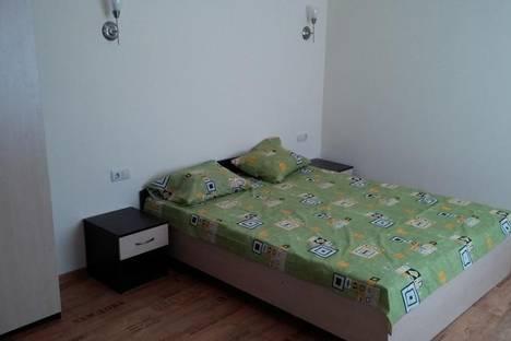 Сдается комната посуточнов Заозерном, Крым,ул. Чкалова 20.