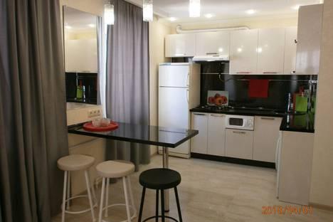 Сдается 1-комнатная квартира посуточно в Геленджике, ГЕЛЕНДЖИК ул ОСТРОВСКОГО 19.