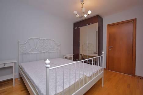 Сдается 3-комнатная квартира посуточнов Санкт-Петербурге, улица Кораблестроителей, 41.