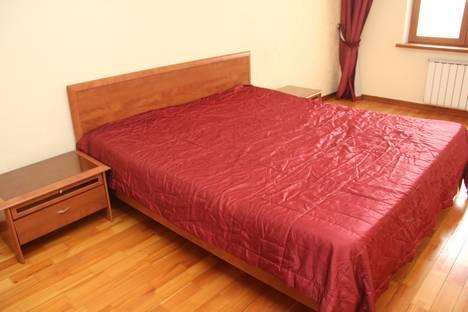 Сдается 3-комнатная квартира посуточно в Челябинске, улица Труда, 5А.