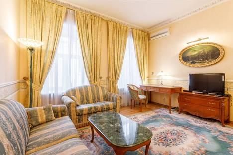 Сдается 3-комнатная квартира посуточно в Москве, Страстной бульвар, д.4, стр.4.