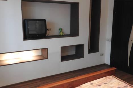 Сдается 2-комнатная квартира посуточно в Кемерове, проспект Шахтёров, 68.