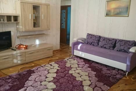 Сдается 3-комнатная квартира посуточно в Севастополе, улица Героев Подводников, 12.