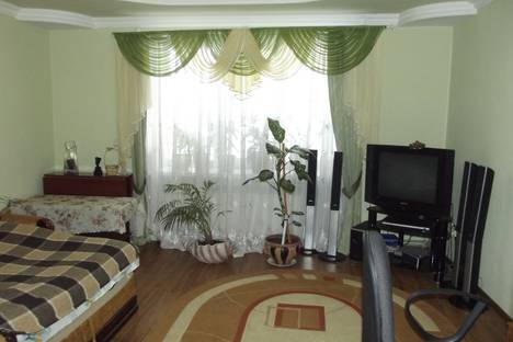 Сдается 2-комнатная квартира посуточно в Трускавце, Львовская область,улица Стебницкая, 62.