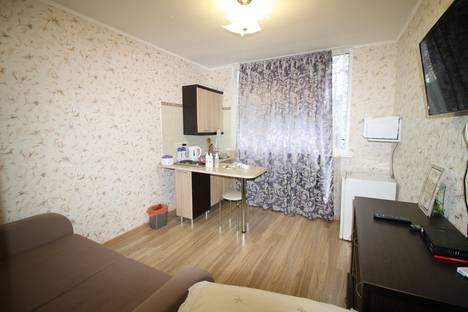 Сдается 1-комнатная квартира посуточно в Ливадии, Крым,улица Батурина, 1.