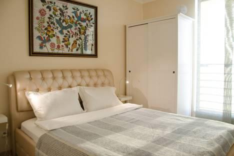 Сдается 2-комнатная квартира посуточнов Тюмени, улица 50 Лет Октября, 57а.
