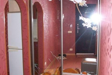 Сдается 2-комнатная квартира посуточно в Архангельске, ул. Выучейского, 59.