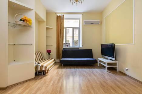 Сдается 3-комнатная квартира посуточнов Санкт-Петербурге, Гороховая улица, 3.