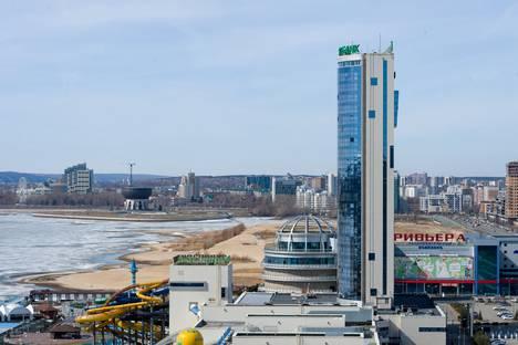Сдается 2-комнатная квартира посуточно в Казани, ул. Сибгата Хакима 50.