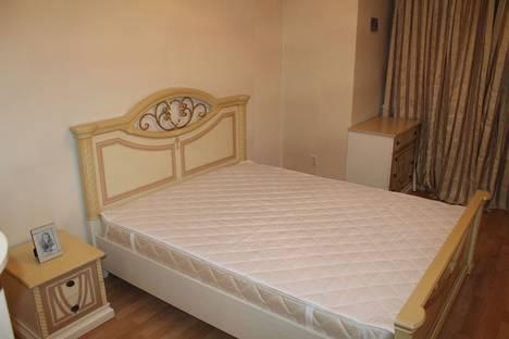 Сдается 2-комнатная квартира посуточно в Кирове, ул. Чапаева, 11.
