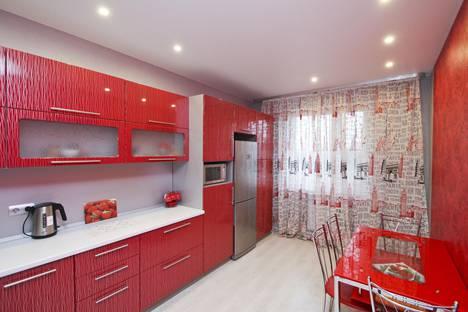Сдается 2-комнатная квартира посуточно в Сургуте, улица Крылова, 36.
