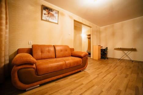Сдается 2-комнатная квартира посуточно в Комсомольске-на-Амуре, ул. Комсомольская, 34.
