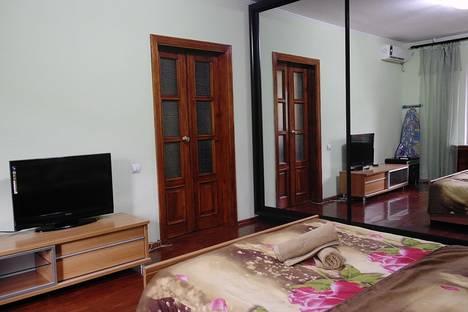 Сдается 1-комнатная квартира посуточно в Алматы, улица Калдаякова, 38.