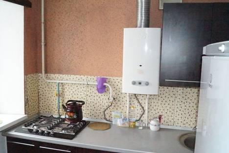 Сдается 1-комнатная квартира посуточнов Новочеркасске, красный спуск 26.