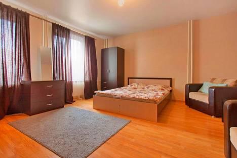 Сдается 1-комнатная квартира посуточно в Челябинске, ул. Карла Маркса, 83.